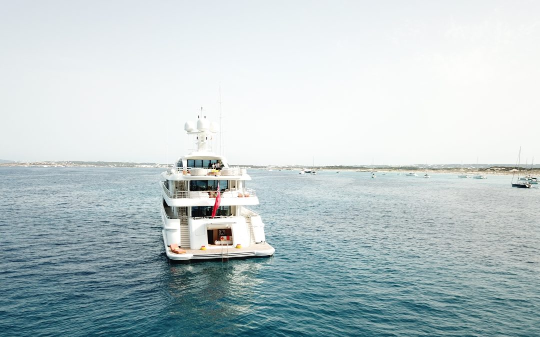 Pros & Cons of Yachting